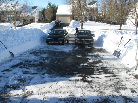 shoveled driveway 01 24 2016